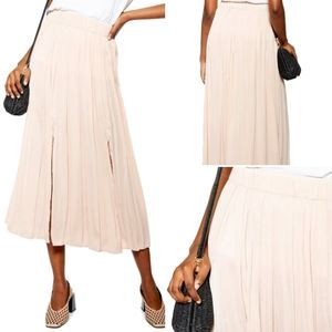 Topshop | Double Split Pleated Skirt Size 10